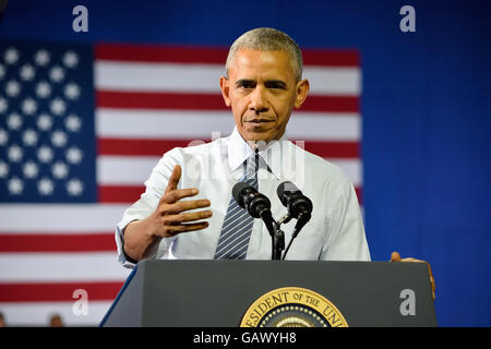 Charlotte, NC, USA. 5th July, 2016. US President Barack Obama gestures as het delivers a speech at a campaign rally - Stock Photo