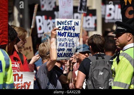 London, UK. 6th July, 2016. Protesters gather as Sir John Chilcott delivers his verdict on the Iraq war and Britain's - Stock Photo