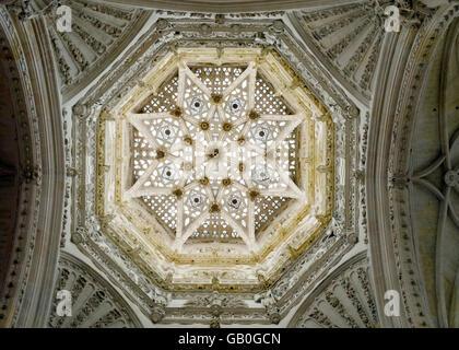 Europe, Spain, Burgos, UNESCO World Heritage listed cathedral, Gothic plateresque vault of the cimborio lantern - Stock Photo