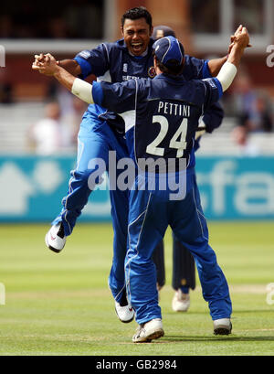 Cricket - Friends Provident Trophy Final - Essex Eagles v Kent Spitfires - Lord's Cricket Ground - Stock Photo