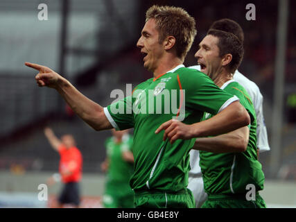 Republic of Ireland's Kevin Doyle celebrates his goal during the World Cup Qualifying Group Eight match at the Stadion am Bruchweg, Mainz, Germany. Stock Photo