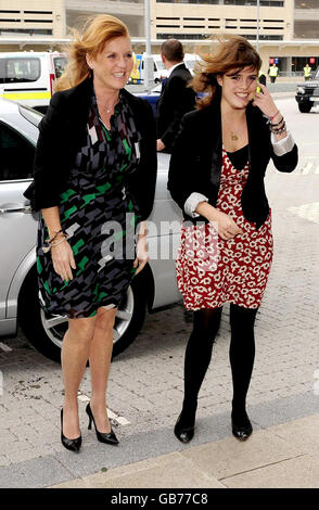 Duchess of York opens Teenage Cancer Unit - Stock Photo