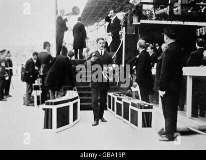 Athletics - London Olympic Games 1908 - Men's 400m Final - Stock Photo