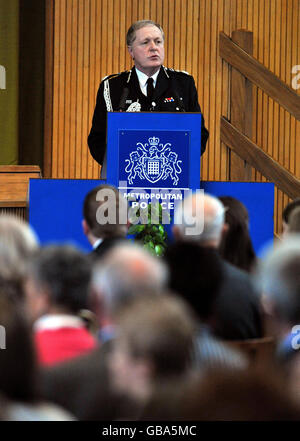 Metropolitan Police Commissioner Sir Ian Blair - Stock Photo