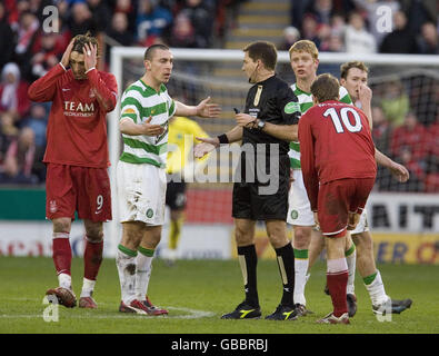 Soccer - Clydesdale Bank Scottish Premier League - Aberdeen v Celtic - Pittodrie Stadium - Stock Photo