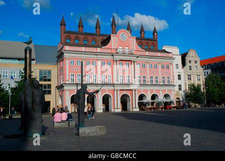 Sommer, Stadtbild, Marktplatz, Gotik, Rathaus, Hansestadt, Rostock, Mecklenburg-Vorpommern, Deutschland - Stock Photo