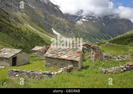 The hamlet Averole located in Averole Valley, Bessans, Vanoise National Park, Northern Alps, Savoie, France - Stock Photo