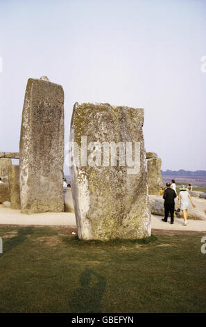 geography / travel, Great Britain, England, Stonehenge, County Wiltshire, place of worship from Bronze Age, errected: - Stock Photo