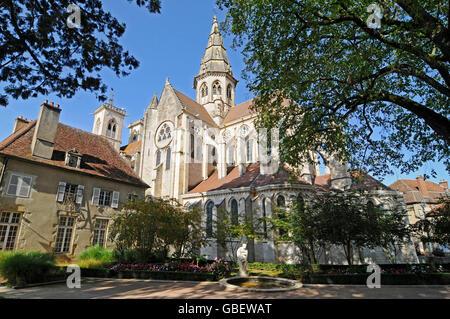 Notre-Dame de Semur-en-Auxois, former collegiate church, Semur-en-Auxois, Dijon, Cote-d'Or, Burgundy, France / Bourgogne - Stock Photo