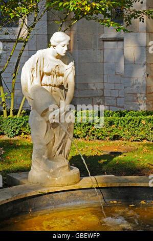 Fountain figure, Notre-Dame de Semur-en-Auxois, church, Semur-en-Auxois, Dijon, Departement Cote-d'Or, Bourgogne, - Stock Photo