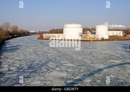Frozen Dortmund-Ems-Canal, harbour, Dortmund, North Rhine-Westphalia, Germany - Stock Photo