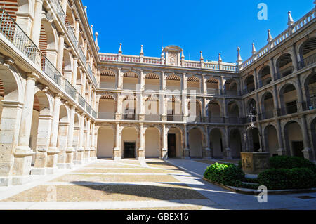 University of Alcala, courtyard, Alcala de Henares, province Madrid, Spain / Universidad de Alcala - Stock Photo