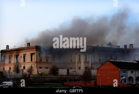 Crumlin Road Courthouse blaze - Stock Photo