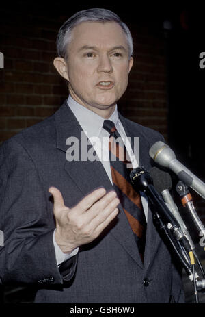 Washington, DC, USA, 29th March 1998 Senator Jeff Sessions at CBS 'Face The Nation' Credit: Mark Reinstein - Stock Photo