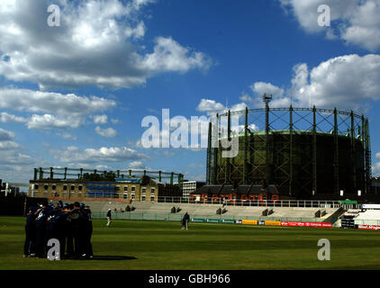 Cricket - Totesport National Cricket League - Division One - Surrey Lions v Kent Spitfires - Stock Photo
