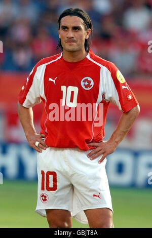 Soccer - UEFA European Championship 2004 - Group B - Switzerland v France. Switzerland's and France's