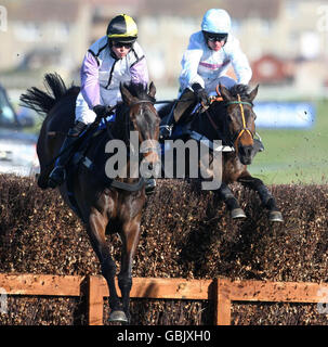 Horse Racing - Coral Scottish Grand National Festival - Day Two - Ayr Racecourse - Stock Photo