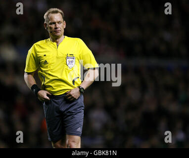 Soccer - UEFA Champions League - Quarter Final - First Leg - Liverpool v Chelsea - Anfield - Stock Photo