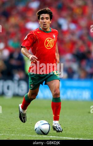 Soccer - UEFA European Championship 2004 - Final - Portugal v Greece. Deco, Portugal