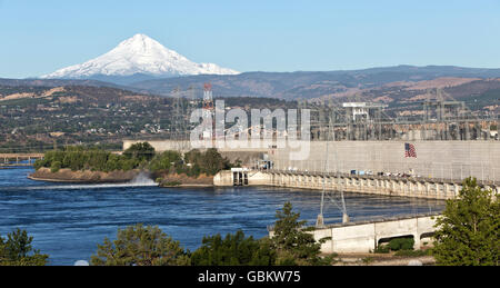 The Dalles Dam, hydroelectric power plant, city of The Dalles. - Stock Photo