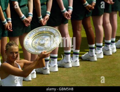 Tennis - Wimbledon Championships - Ladies' Singles - Final - Maria Sharapova v Serena Williams - Stock Photo
