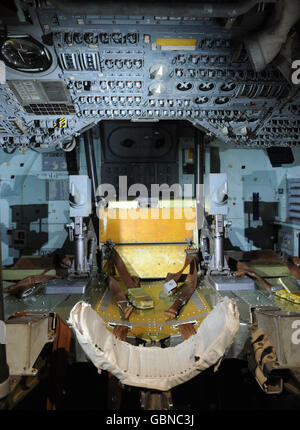inside apollo capsule houston - photo #45