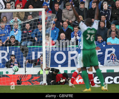 Soccer - Clydesdale Bank Scottish Premier League - Hibernian v Rangers - Easter Road Stadium - Stock Photo