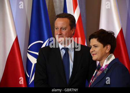 Warsaw, Poland. 8th July, 2016. Primer Szydlo receives British PM Cameron Credit:  Jake Ratz/Alamy Live News Stock Photo