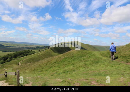 Mam Tor looking towards Rushup Edge near Castleton in the High Peak District of Derbyshire - Stock Photo