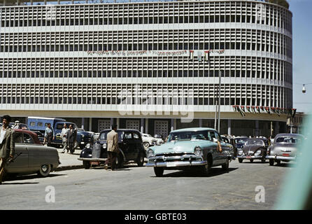 geography / travel, Iraq, Baghdad, street scene, 1955, Additional-Rights-Clearences-Not Available - Stock Photo