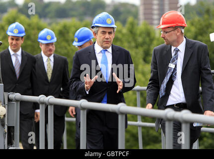 Gordon Brown visits Thames Barrier - Stock Photo
