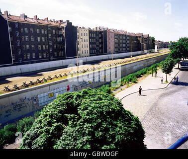 geography / travel, Germany, Berlin, wall, view from West, 1970s, Additional-Rights-Clearences-NA - Stock Photo