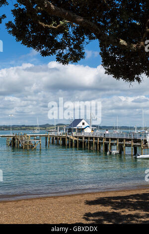 Beach at Russell jetty, Bay of Islands, New Zealand - Stock Photo