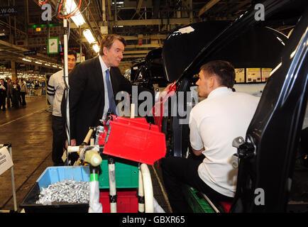 Mandelson visits Toyota plant - Stock Photo