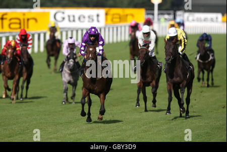 Horse Racing - The Betfair Weekend - Day One - Ascot Racecourse - Stock Photo