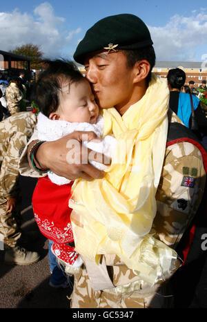 Gurkha soldiers return to barracks - Stock Photo