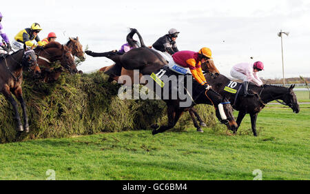 Racing - Becher Chase Day - Aintree Racecourse - Stock Photo