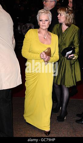 Dame Judi Dench arriving for the world premiere of Nine at the Odeon Leicester Square, London. - Stock Photo