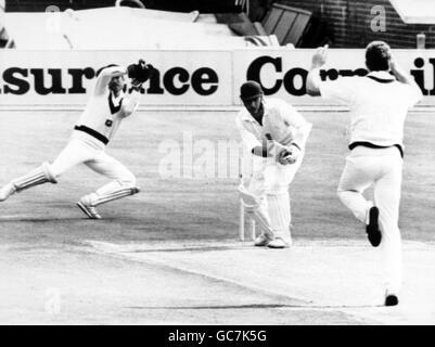 Cricket - Australia in British Isles 1985 (4th Test) - England v Australia - Fourth Day - Old Trafford, Manchester - Stock Photo