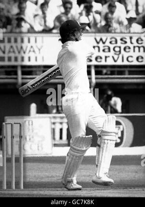 Cricket - Australia in British Isles 1989 (3rd Test) -England v Australia - Fourth Day- Edgbaston, Birmingham - Stock Photo