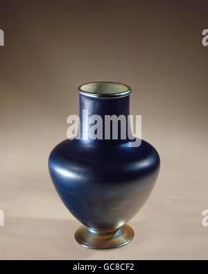 fine arts, vessels, vase, by Louis Comfort Tiffany (1848 - 1933), glass, height 16 cm, USA, circa 1900, Bavarian - Stock Photo