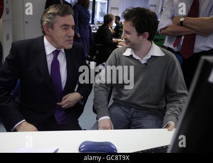 Brown visits Disasters Emergency Committee - Stock Photo