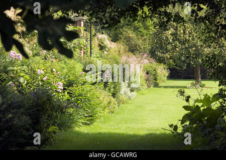 Untamed annuals and perennials grown in the grounds of this Richmond country estate - Stock Photo
