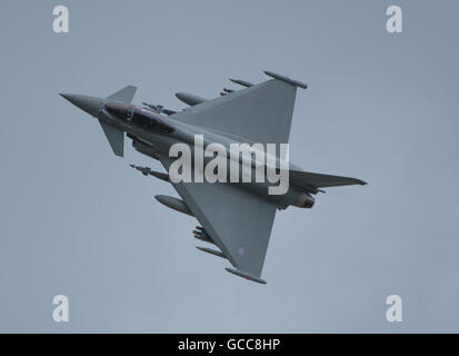 RAF Fairford, Gloucestershire. 8th July, 2016. Day 1 of the Royal International Air Tattoo (RIAT) with international - Stock Photo