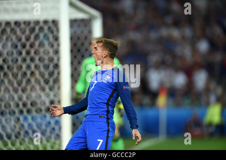 Antoine Griezmann (FRA), JULY 7, 2016 - Football / Soccer : Antoine Griezmann of France looks dejected during the - Stock Photo