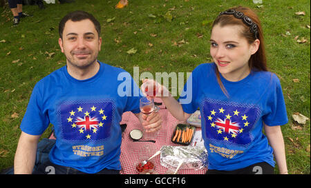"""September 11, 2015 - Families from across the UK enjoyed a Brexit Picnic organised by """"MoreInCommon"""" in Green - Stock Photo"""