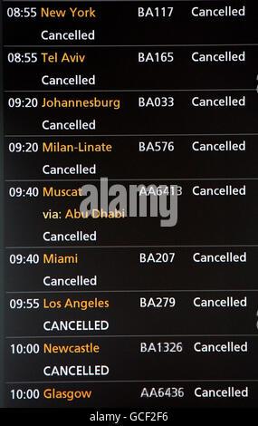 Volcanic ash causes travel disruption - Stock Photo