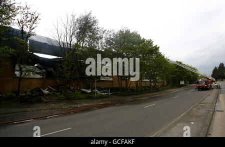 Blaze destroys Homebase store in Kent - Stock Photo