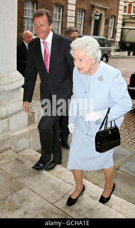 Queen visits Cabinet Office - Stock Photo