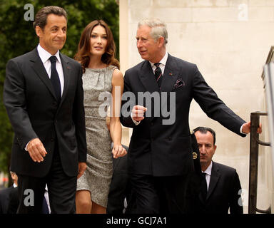 Sarkozy visits London